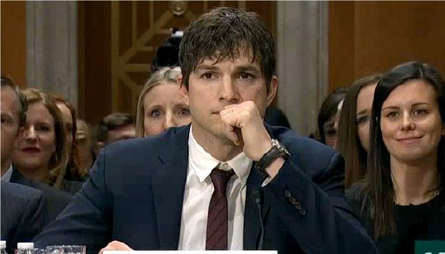 14318955_ashton-kutcher-breaks-down-while-giving_b4c2a1f1_m